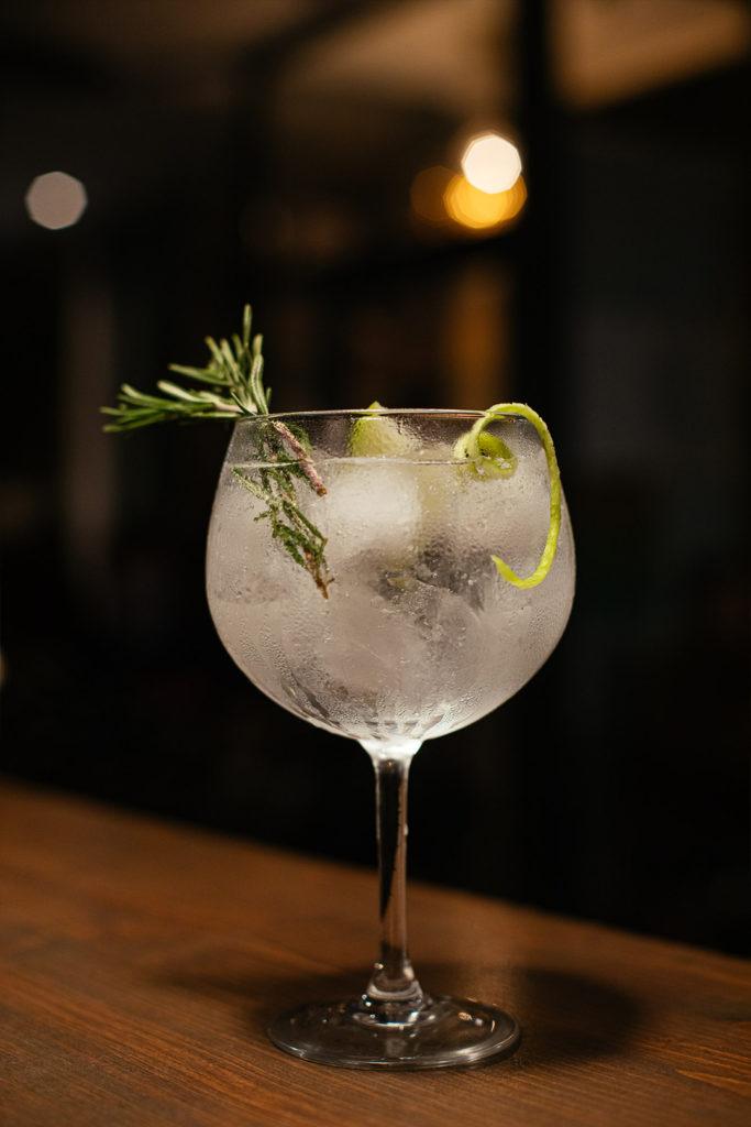 la-gramola-benimaclet-valencia-bar-restaurante-gin-tonic-3